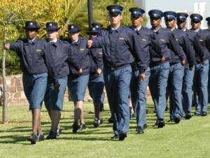 Minister Nathi  Mthethwa has highlighted problems in recruitment and command and control within SAPS. (Photo: DefenceWeb)