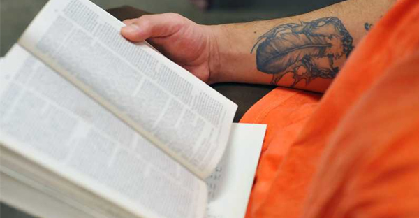 UK reading charities have partnered with prisons to promote literacy (Photo: www.lasisblog.com)